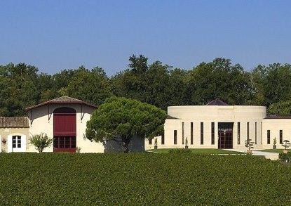 CHEVALIER Chateau2 Domaine de Chevalier Pessac Leognan Bordeaux, Complete Guide