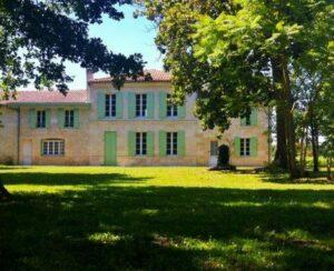 Chateau Belle Vue 300x244 Chateau Belle Vue Haut Medoc Bordeaux, Complete Guide