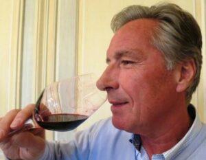 Clos Lunelles Gerard Perse 2 300x233 Clos Lunelles Cotes de Castillon Bordeaux Wine, Complete Guide