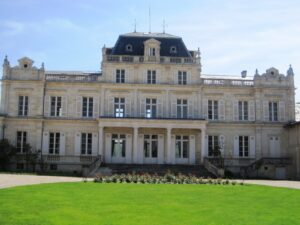 Giscours2 300x225 Which Bordeaux wine choice? Chateau Margaux,or Mouton Rothschild?