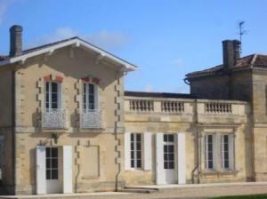 La Confession Chateau 300x224 Chateau La Confession St. Emilion Bordeaux, Complete Guide