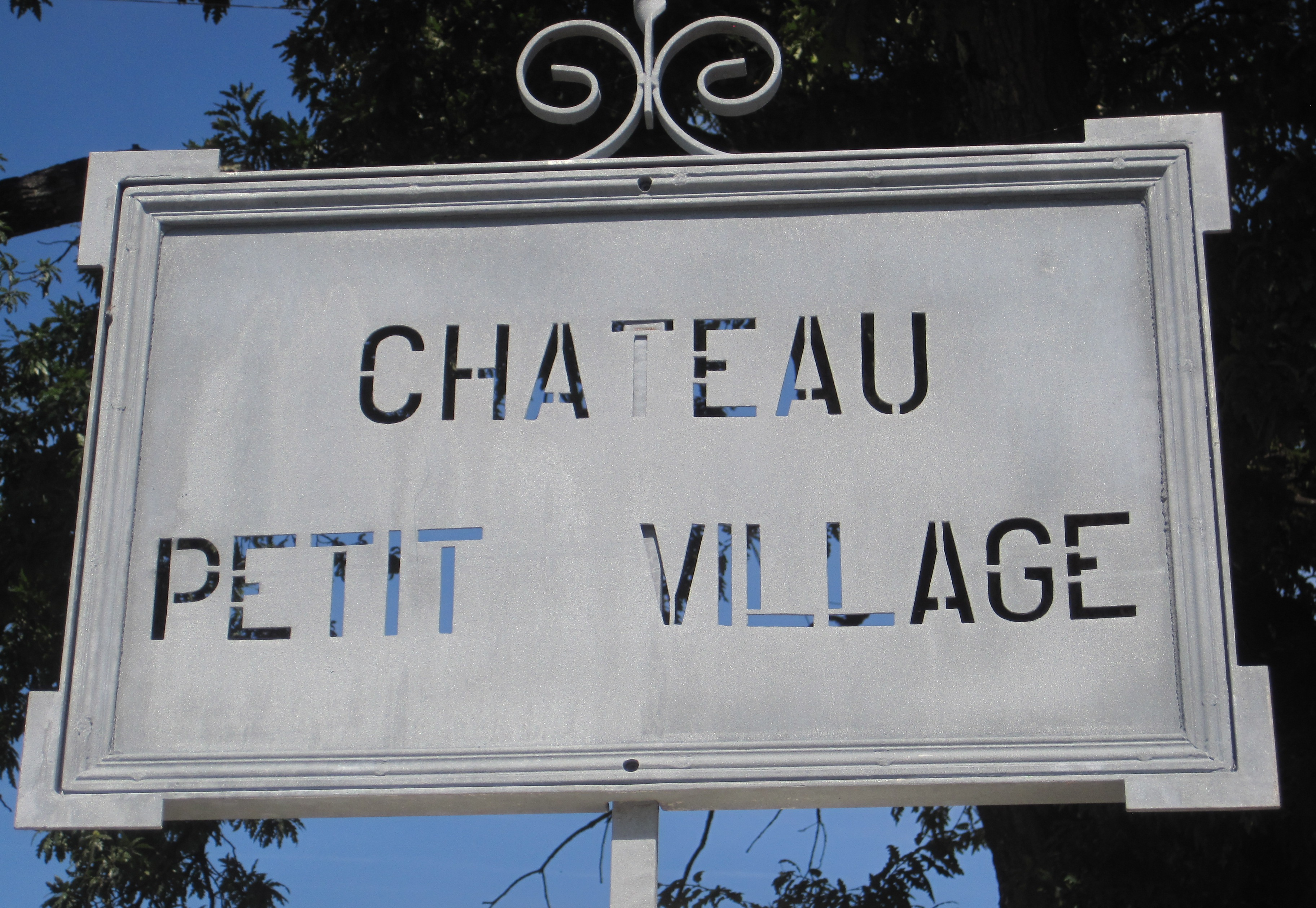 Petit Village Wine Tasting Notes, Ratings
