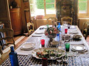 Troplong table 300x225 Chateau Troplong Mondot St. Emilion Bordeaux, Complete Guide