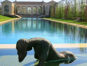 du Tertre Pool Statue