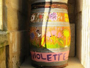 Violette3 300x225 2009 Pomerol Decadence If Caligula bought wine, hed buy 2009 Pomerol