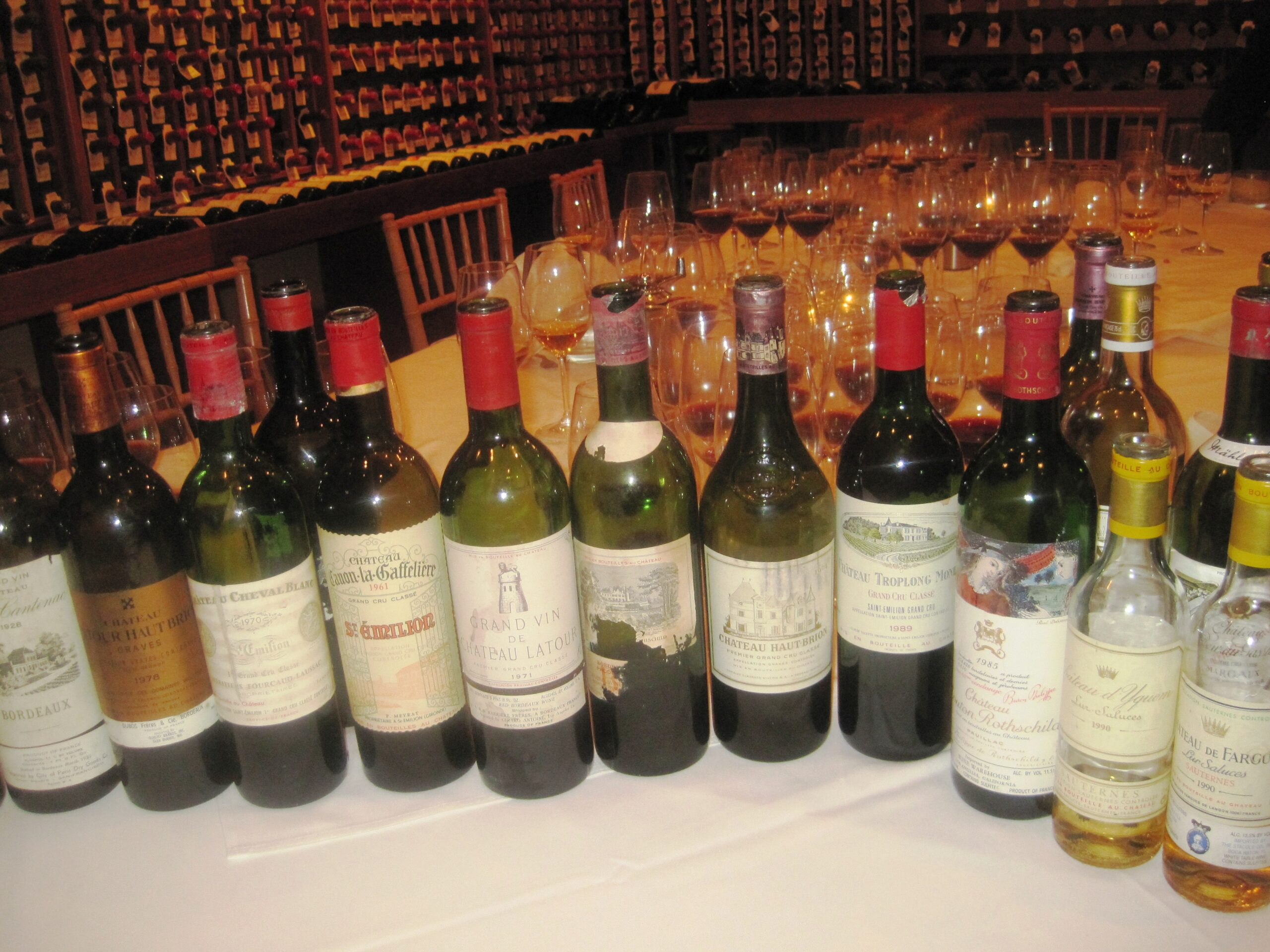 7 Blind Men tastes 7 decades of Bordeaux wine from the 20's – 80's!
