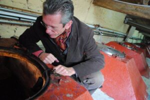 fonroque alain moueix 300x201 2010 Fonroque Biodynamic Harvest Alain Moueix Interview