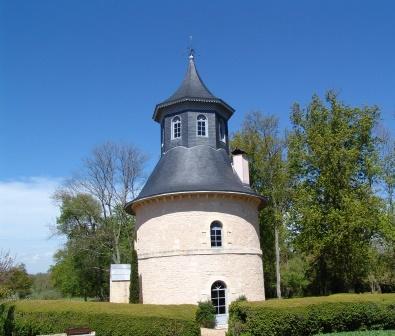 REIGNAC Tasting tower 2 Chateau Reignac Bordeaux Superieur Bordeaux Wine