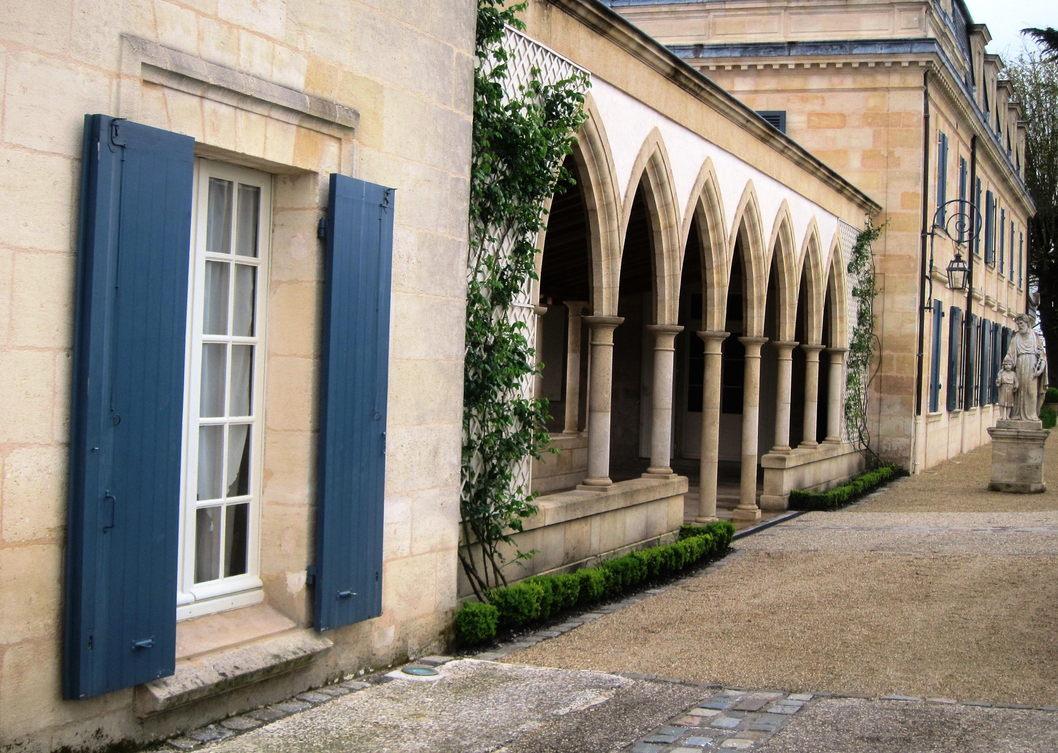 Chateau La Mission Haut-Brion  2010 Bordeaux Red Blends Wine Red Blends Wine