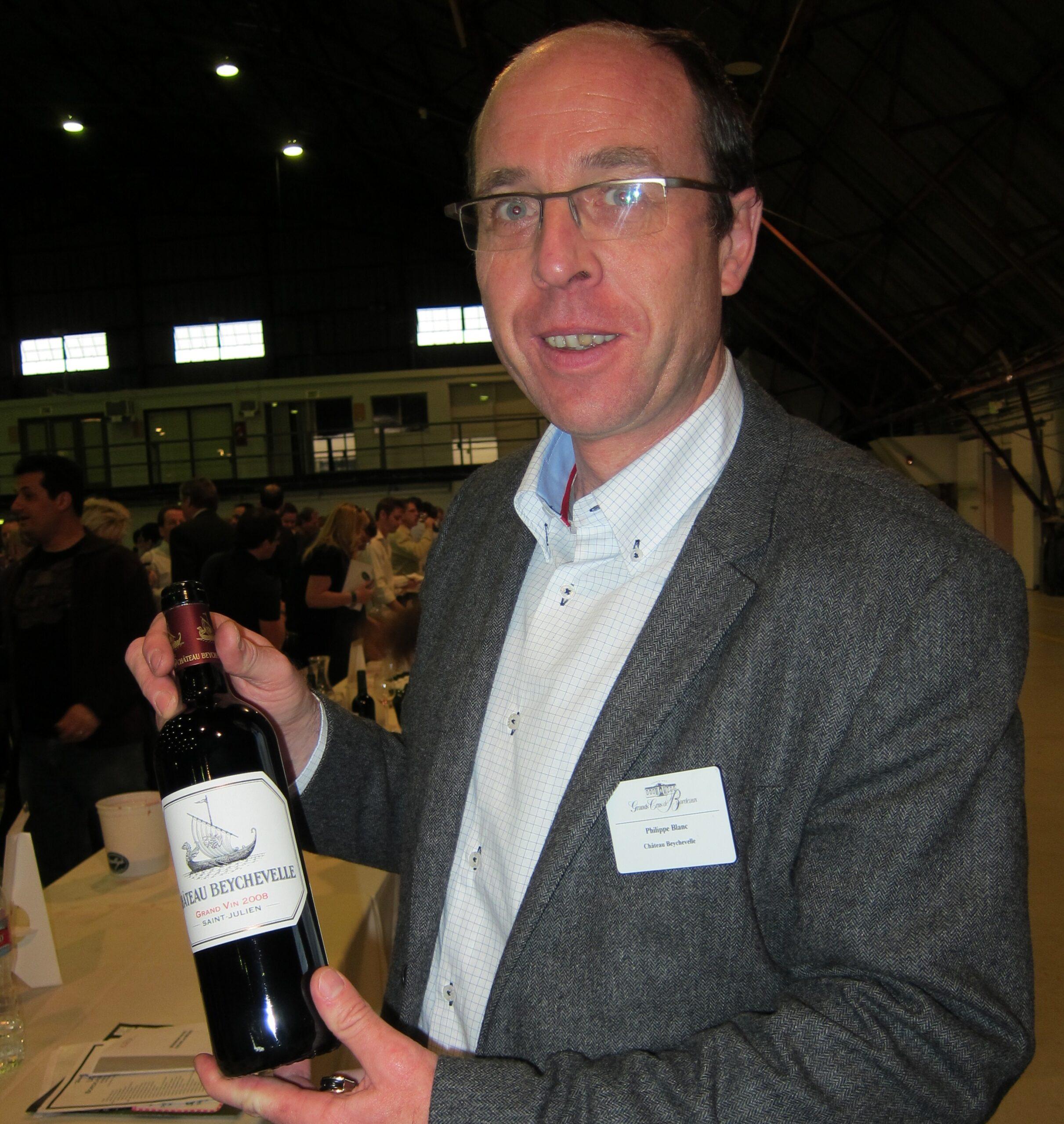 2010 Beychevelle Dragon Boat Wine a Success in St. Julien