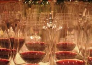 7 blind sept glasses 300x213 7 Blind Men Taste Bordeaux Rhone California Wine 1961 2001