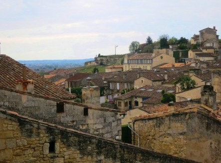 2011 St. Emilion Wine Guide to the Best Wines of the Vintage