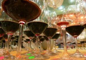 glasses 7bm1 300x211 1981 Bordeaux Wine Vintage Report and Buying Guide