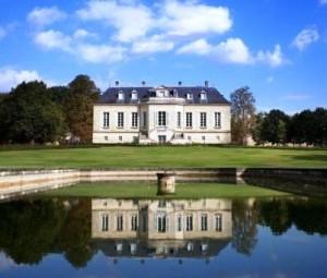 La Louviere1 300x255 Chateau La Louviere Pessac Leognan Bordeaux, Complete Guide