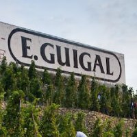 Guigal Sign