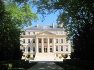 Visit Bordeaux Chateau 300x224 How to Visit Bordeaux Chateau, Vineyards for the Best Wine Tastings