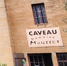 Mousset Domaine des Saumades Chateauneuf du Pape Rhone Wine, Complete Guide