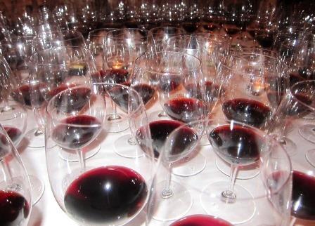 The Folly of Blind Tasting Barrel Samples in Bordeaux